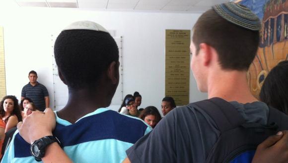 טקס סיום של אוניברסיטת תל-אביב לנוער