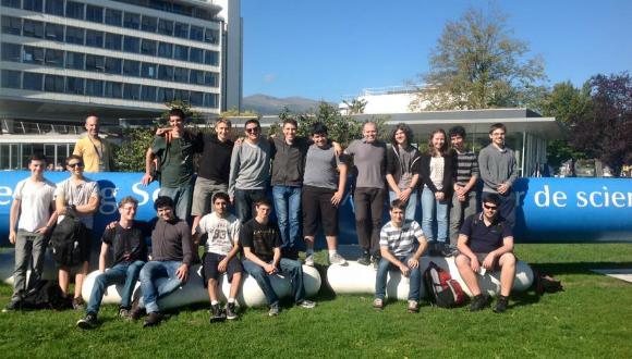 משלחת תלמידי מחזור ד בתכנית לטיפוח מדעני וממציאי העתיד שבה מביקור במאיץ החלקיקים CERN שבשוויץ